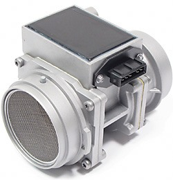 Mass Air Flow Sensor (MAF) For Land Rover Discovery I, Defender 90 And 110, And Range Rover Classic, Includes Core Charge
